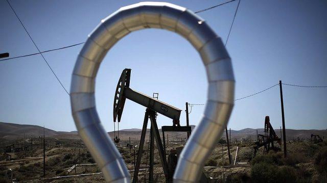 Куда двинут цены на нефть — мнения экспертов разошлись