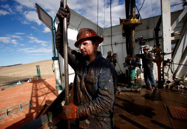Число нефтяных буровых в США прекратило снижаться