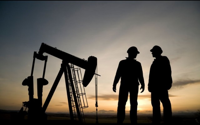 США и Канада соревнуются в поставках нефти друг другу