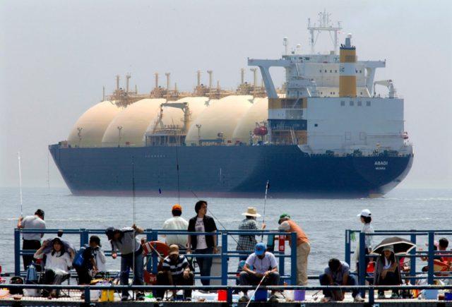 Китайский импорт СПГ впервые в истории стал снижаться