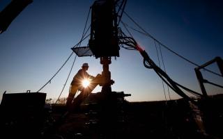 Седьмой месяц тройка лидеров по добыче нефти не меняется