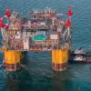 Стартовала добыча на крупнейшей платформе Shell