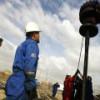 Венесуэла в 2017 году уменьшит добычу нефти до минимума за четверть века