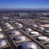 Торговые запасы нефти в США выросли сильнее, чем ждали