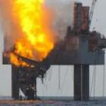 Продолжается ликвидация аварии на буровой платформе Hercules 265 в Мексиканском заливе. Видео.