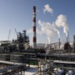 Российские НПЗ начали наращивать выпуск бензина и дизеля