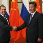 """""""Роснефть"""" и китайская Sinopec договорились о ежегодных поставках 10 млн тонн нефти"""