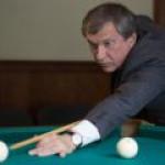 """""""Роснефть"""" реализовала третьим лицам почти 10% акций """"РН Холдинг"""""""