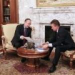 """""""Совкомфлот"""" планирует возить газ для """"Газпрома"""" по Северному морскому пути в страны АТР"""
