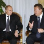 """Возвращаясь из Китая, Янукович """"заглянул на огонек"""" к Путину"""
