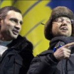 Кличко и Яценюк вовремя соскочили с подножки правительственного локомотива