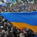 """Украина: Партия регионов согласна отдать """"портфели власти"""" тем, кто не только «языком молотит»"""