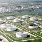 Financial Times: цена на нефть падает из-за России