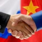 СМИ: санкции и торговые барьеры США еще больше сближают Россию и Китай