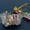 «Роснефть» и ExxonMobil доставили уникальную буровую платформу на месторождение Аркутун-Даги проекта «Сахалин-1»