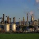 «Роснефть» потребует компенсации от Украины за ущерб НПЗ в Лисичанске