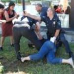 В США полиция хватает людей на улице за несогласие с ростом добычи сланцевого газа