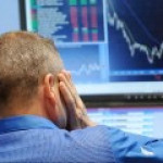 Рынок нефти: цены вцепились в ключевые рубежи