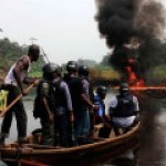 В Нигерии разгорается борьба между радикальны исламистами и правительством за нефть