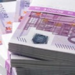 Курс евро движется к ноябрьскому минимуму 55 рублей