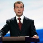 Медведев пообещал не допечатывать рубли, хотя и очень хочется