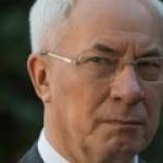 Азаров: Порошенко – мошенник, а Яценюк – дурак