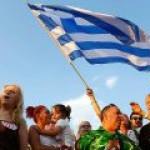 "Греки пока говорят ""нет"" на референдуме"