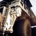 Впервые на СПГ-топливо переведут гигантские карьерные грузовики