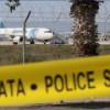 На борту самолета EgyptAir остаются в заложниках семь человек