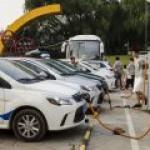 Пекинцы выбрали всю квоту на регистрацию электромобилей в 2016 году