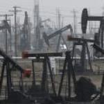Иранская нефтедобыча упала до 30-летнего минимума