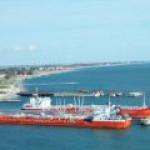Махачкала потеряла почти весь портовый грузооборот