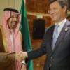 """Россия и Саудовская Аравия """"промониторят"""" соглашение о сокращении нефтедобычи в Кувейте"""