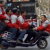 Китайцев хотят пересадить со скутеров на мини-электромобили