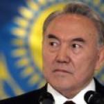 Назарбаев уходит, но при этом остается