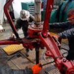 США удерживают лидерство по добыче нефти