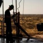 Добыча сланцевой нефти в США продолжает падать