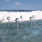 В Японии научились отбирать энергию у морского прибоя