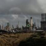Венесуэлу ждет топливный коллапс – закрылся предпоследний НПЗ