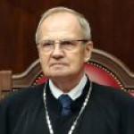 Зорькин: акционеры ЮКОСА должны получать деньги с зарубежных счетов экс-руководства компании