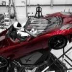Сделано землянами: Falcon Heavy отправила Tesla Roadster к поясу астероидов