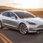 Tesla создаст батареи для электрокара вшестеро мощнее нынешних