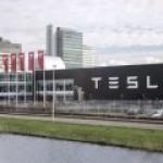 Tesla удержала статус самого дорогого автоконцерна мира
