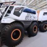 Российский Snowbus может ездить по торосам и плавать по воде