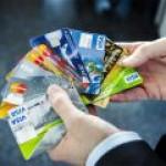Где у россиян чаще всего крадут деньги с банковских карт