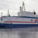 """Первая в мире плавучая АЭС прибыла на место """"службы"""""""