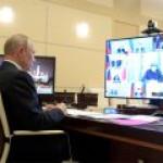 Путин: Российскую авиацию нужно вытаскивать из кризиса