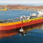 Первый в РФ Aframax-танкер нового поколения спущен на воду