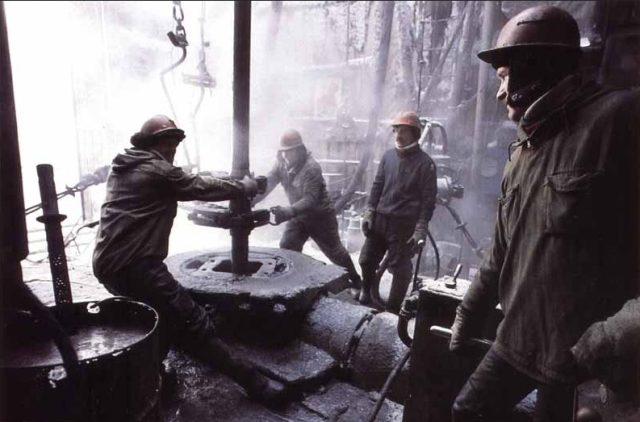 Добыча нефти Россия