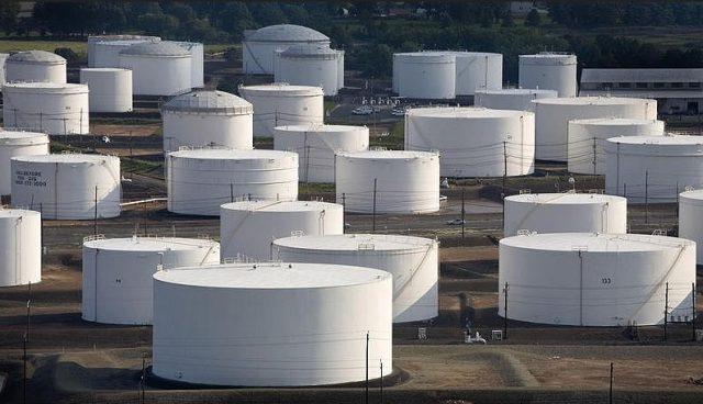 Нефтехранилище США запасы нефти